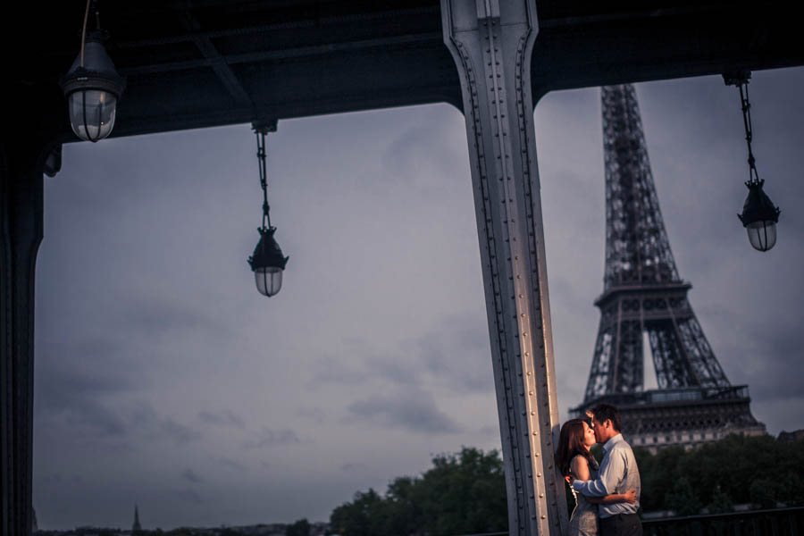 engagement session Paris Eifel tower