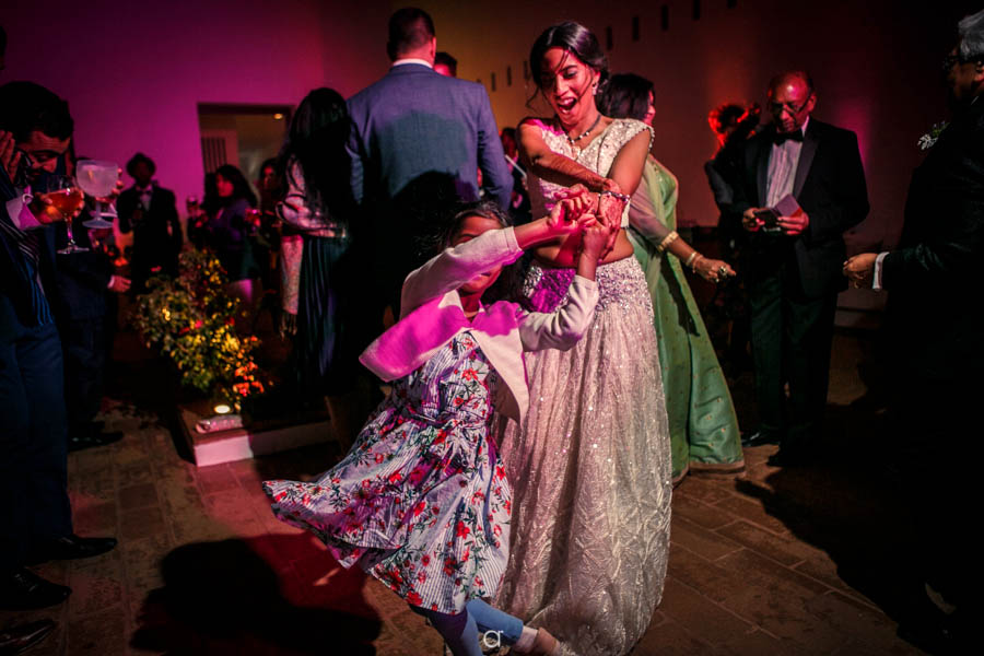 Tivoli Evora Weddings dancing party