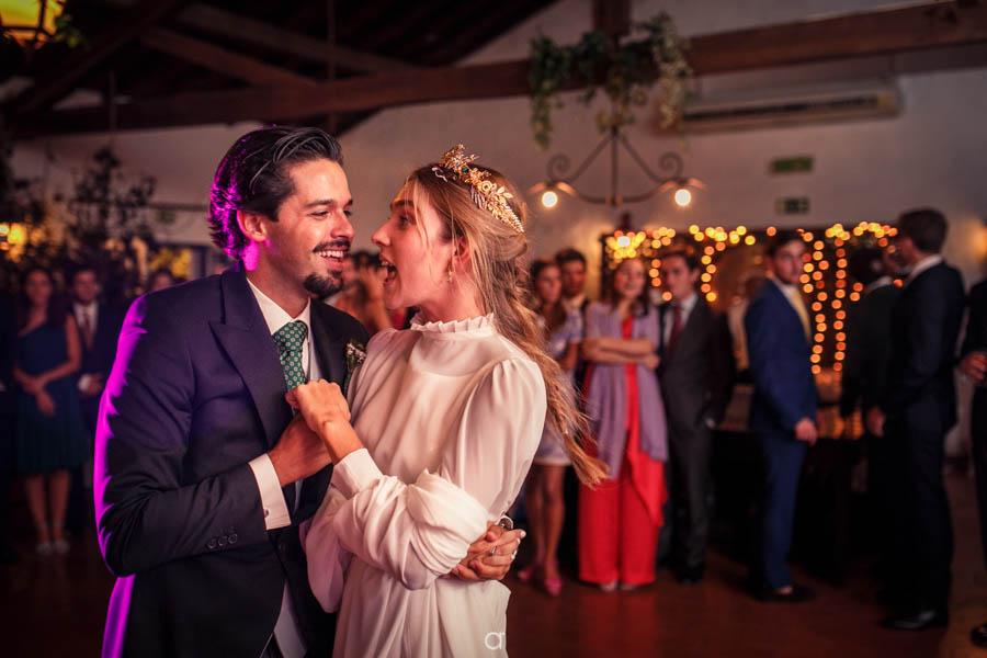Quinta Senhor da Serra noivos abrem pista de dança